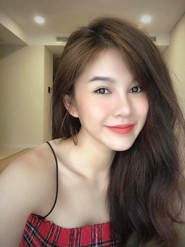 Nữ MC Việt từng lên báo Hàn Quốc xuất hiện xinh đẹp trong Ai là triệu phú - 8