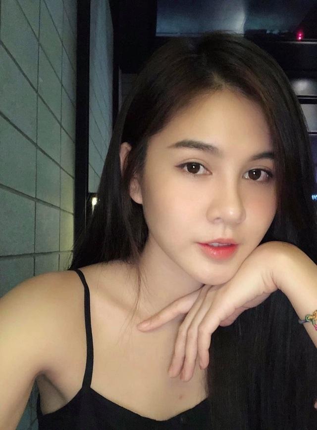 Nữ MC Việt từng lên báo Hàn Quốc xuất hiện xinh đẹp trong Ai là triệu phú - 7