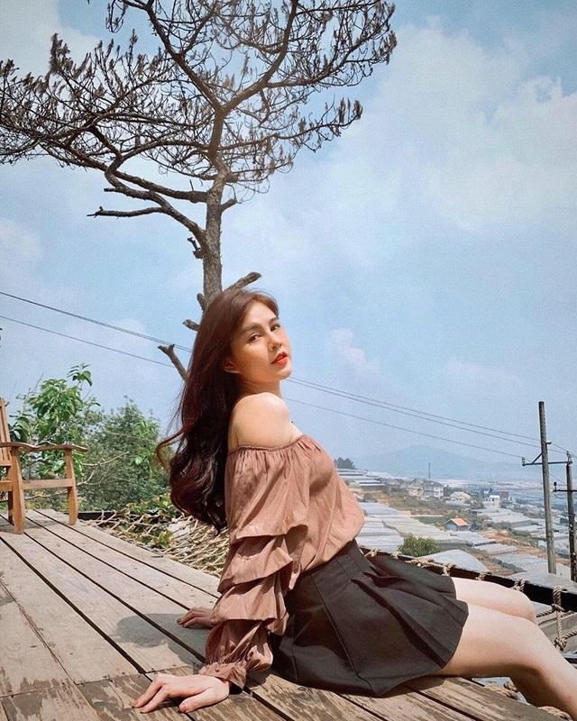 Nữ MC Việt từng lên báo Hàn Quốc xuất hiện xinh đẹp trong Ai là triệu phú - 4