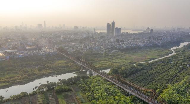 Thắt lòng xem cảnh đẹp, con người Việt Nam mờ ảo trong khói bụi - 17