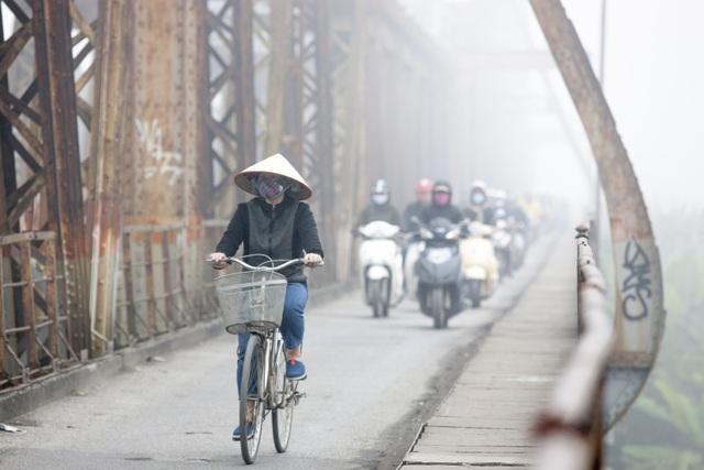Thắt lòng xem cảnh đẹp, con người Việt Nam mờ ảo trong khói bụi - 25
