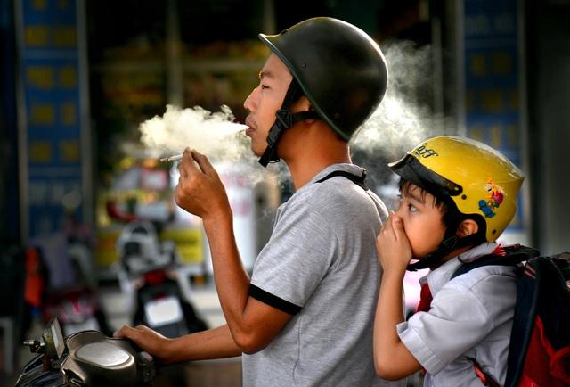 Thắt lòng xem cảnh đẹp, con người Việt Nam mờ ảo trong khói bụi - 21