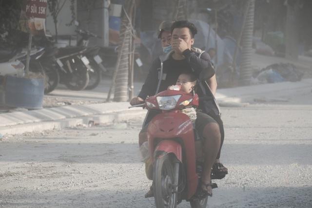 Thắt lòng xem cảnh đẹp, con người Việt Nam mờ ảo trong khói bụi - 20