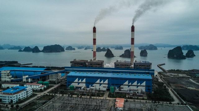 Thắt lòng xem cảnh đẹp, con người Việt Nam mờ ảo trong khói bụi - 6