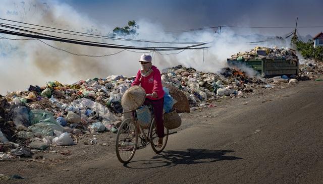 Thắt lòng xem cảnh đẹp, con người Việt Nam mờ ảo trong khói bụi - 14