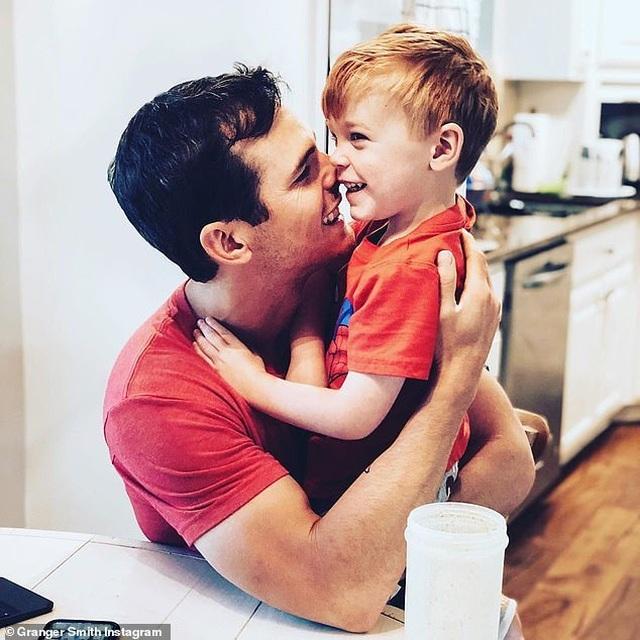 Con trai 3 tuổi của ca sỹ Granger Smith chết đuối - 1