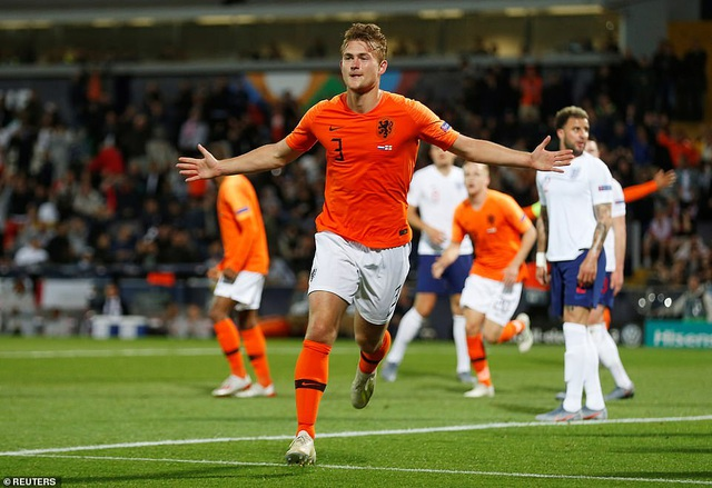 Hàng thủ lơ ngơ, tuyển Anh gục ngã trước Hà Lan - 1