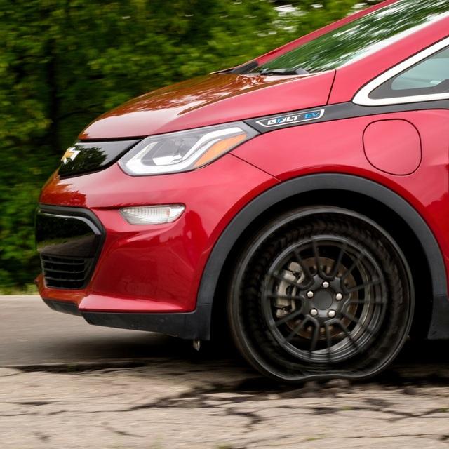 GM và Michelin thử nghiệm lốp không hơi - 5