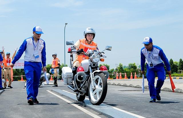 Honda đẩy mạnh công tác hướng dẫn lái xe an toàn - 3