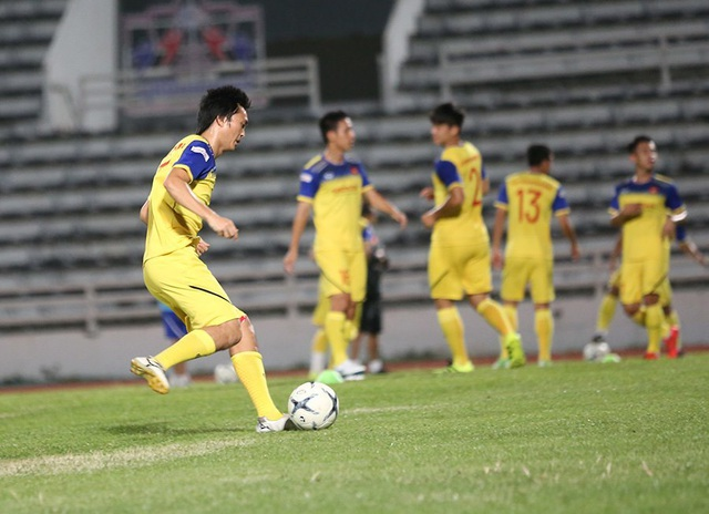 Đội tuyển Việt Nam tập cực sung trước trận gặp Curacao - 9