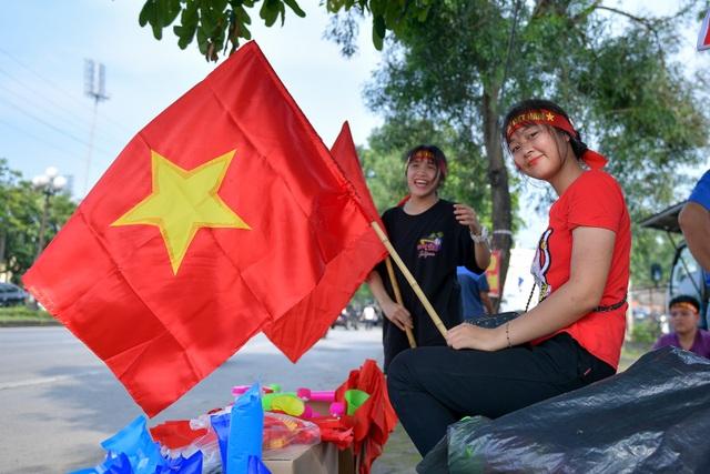 CĐV Hà Nội lên Phú Thọ cổ vũ cho U23 Việt Nam gặp Myanmar - 8