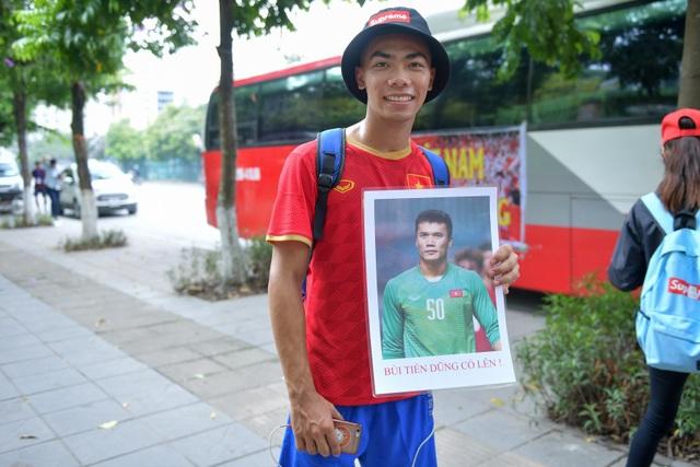 CĐV Hà Nội lên Phú Thọ cổ vũ cho U23 Việt Nam gặp Myanmar - 3