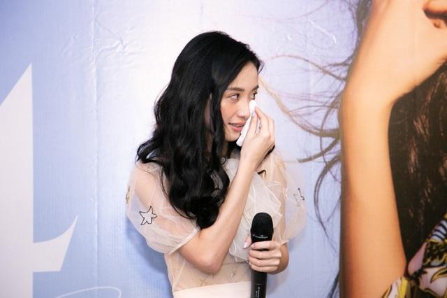 """Jun Vũ tiết lộ mối duyên với Ngô Thanh Vân và thực hư """"nâng ngực kiếm đại gia"""" - 9"""