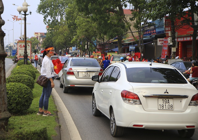 Người dân Phú Thọ phấn khích trước trận giao hữu U23 Việt Nam - U23 Myanmar - 4
