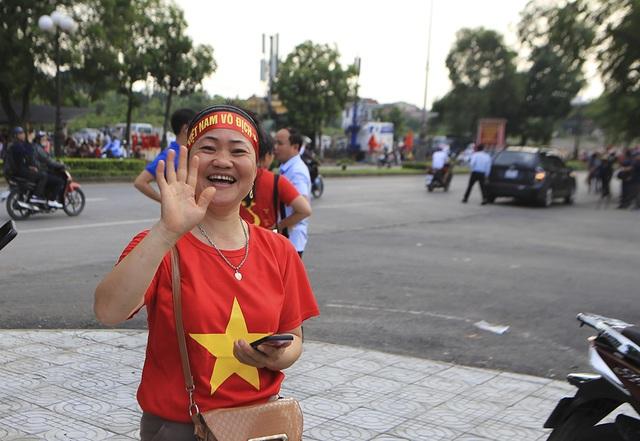 Người dân Phú Thọ phấn khích trước trận giao hữu U23 Việt Nam - U23 Myanmar - 6
