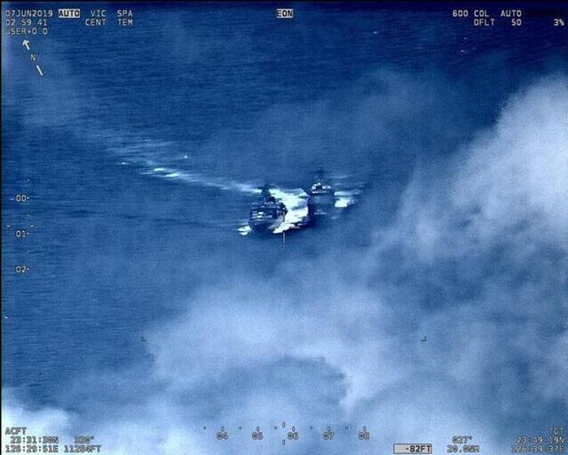 Khoảnh khắc tàu chiến Nga - Mỹ suýt va chạm trên biển Hoa Đông - 1