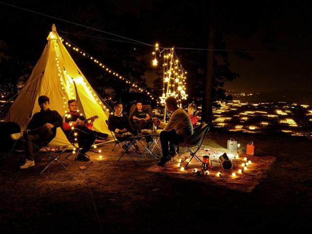 """Đến Đà Lạt thử trải nghiệm cắm trại, săn mây """"đẹp quên lối về"""" - 7"""