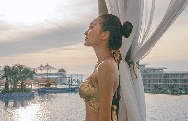 Bạn gái tin đồn của tiền vệ Văn Đức gợi cảm với loạt ảnh bikini - 15