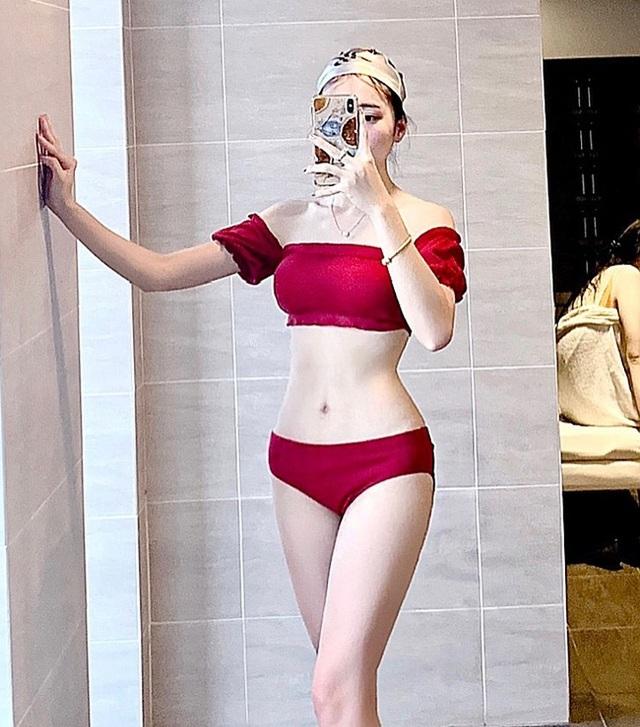 Bạn gái tin đồn của tiền vệ Văn Đức gợi cảm với loạt ảnh bikini - 4
