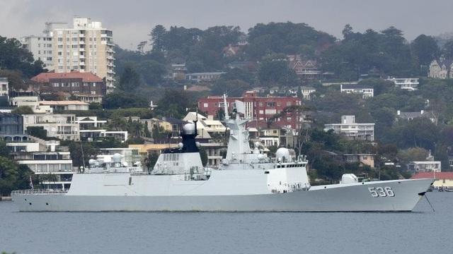 """Thăm Australia, thủy thủ tàu chiến Trung Quốc """"tranh thủ"""" mua cả xe sữa bột về nước - 2"""