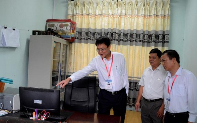 Thứ trưởng Bộ Giáo dục thị sát kiểm tra công tác chuẩn bị thi tại Cao Bằng - 3