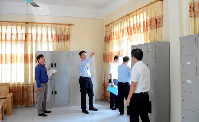 Thứ trưởng Bộ Giáo dục thị sát kiểm tra công tác chuẩn bị thi tại Cao Bằng - 4