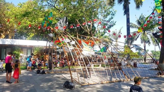Nhiều sắc màu vui tươi tại lễ hội diều Huế 2019 - 2