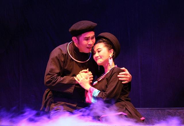 Nghệ sĩ Quế Trân hội ngộ Quang Khải trong Chuyện tình Khau Vai - 2