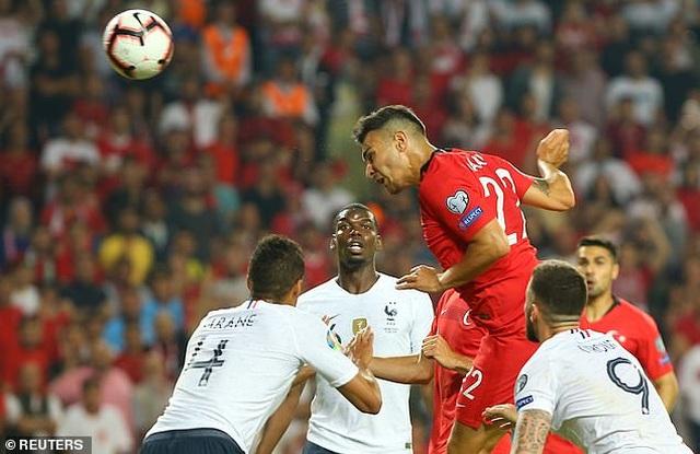 Thổ Nhĩ Kì 2-0 Pháp: Trái đắng cho thầy trò Deschamps - 3