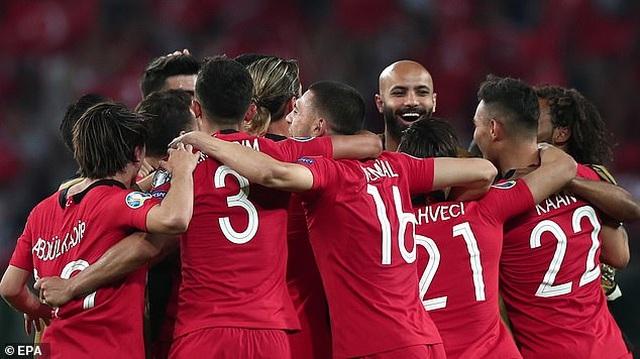 Thổ Nhĩ Kì 2-0 Pháp: Trái đắng cho thầy trò Deschamps - 2