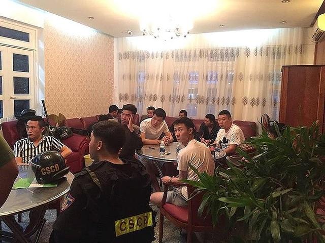 Bắt nhóm tổ chức cho người Trung Quốc đánh bạc ở Đà Nẵng - 1