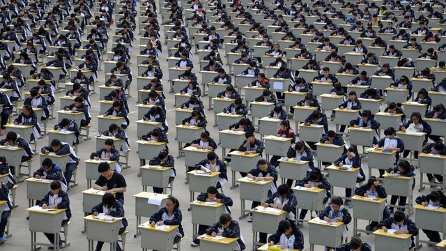 Công an triệt phá đường dây gian lận trong kỳ thi đại học khốc liệt nhất thế giới - 1