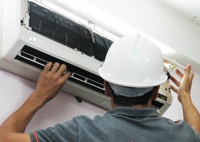 Vạch trần những cách moi tiền của thợ sửa điều hòa mùa nắng nóng - 1