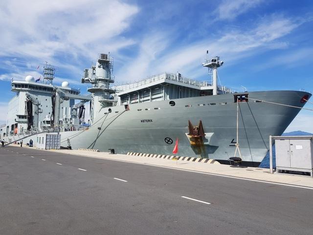 Hệ thống tác chiến hiện đại trên 2 chiến hạm Canada đang thăm Cam Ranh - 7