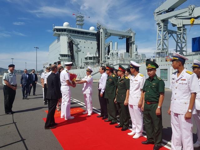 Hệ thống tác chiến hiện đại trên 2 chiến hạm Canada đang thăm Cam Ranh - 2