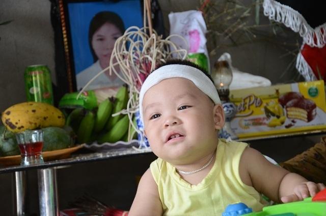Lao vào cứu chồng, người vợ bị điện giật tử vong bỏ lại đứa con trai 9 tháng tuổi bơ vơ - 9