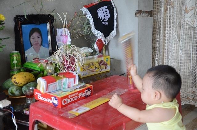 Lao vào cứu chồng, người vợ bị điện giật tử vong bỏ lại đứa con trai 9 tháng tuổi bơ vơ - 10