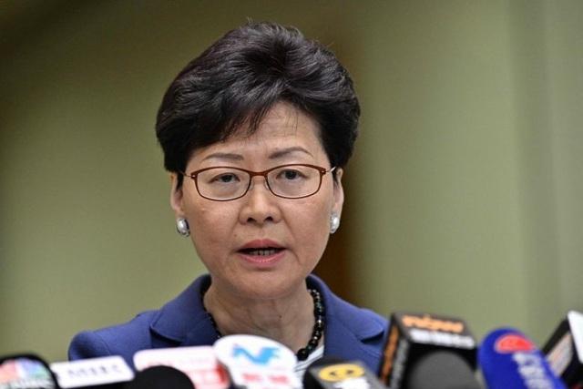 Lãnh đạo Hong Kong tuyên bố không rút dự luật gây tranh cãi - 1