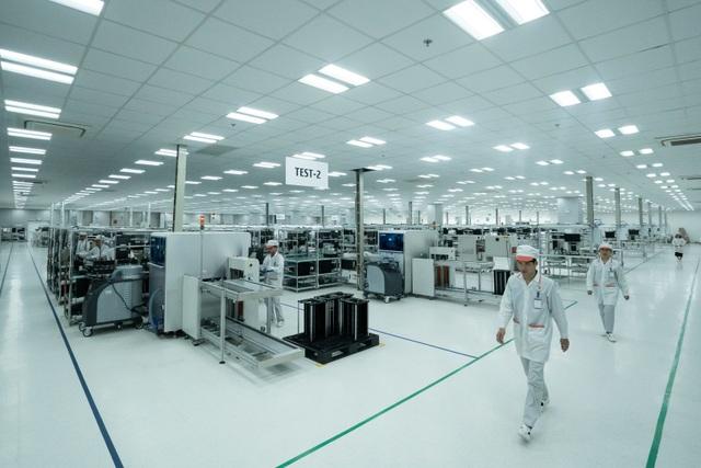 Vingroup động thổ nhà máy điện thoại thông minh công suất 125 triệu máy/năm - 1