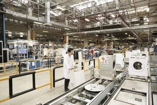 Mục sở thị nhà máy sản xuất máy giặt lớn nhất châu Âu - 2