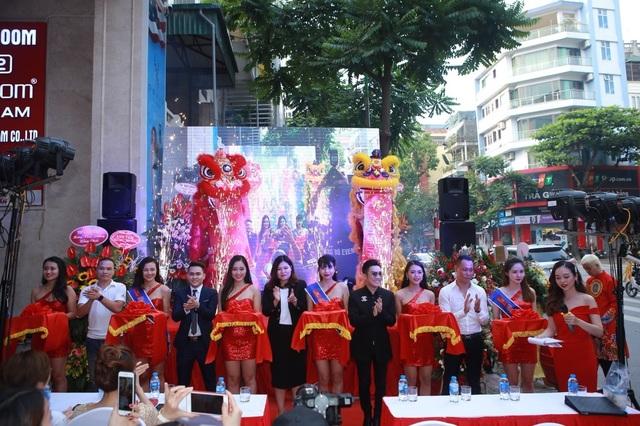 Khai trương showroom phụ kiện điện thoại hàng đầu Trung Quốc tại Hà Nội - 1