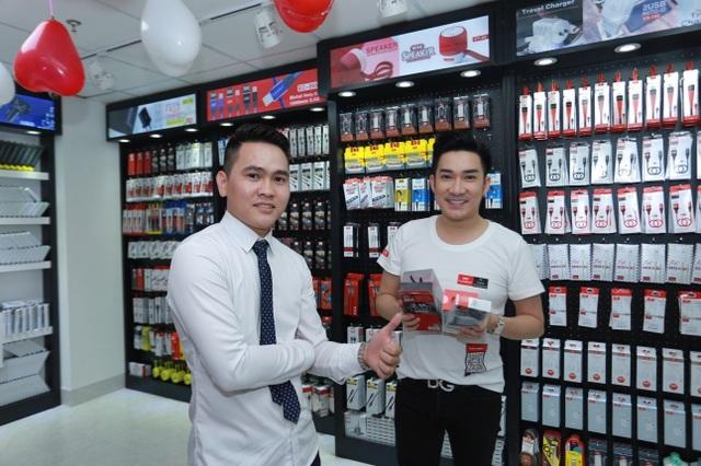 Khai trương showroom phụ kiện điện thoại hàng đầu Trung Quốc tại Hà Nội - 3