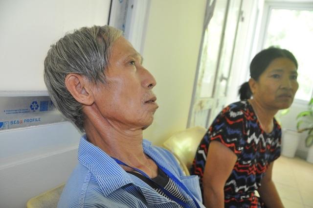 Rớt nước mắt cảnh vợ chồng ung thư nhường nhau suất cơm từ thiện để sống qua ngày - 7