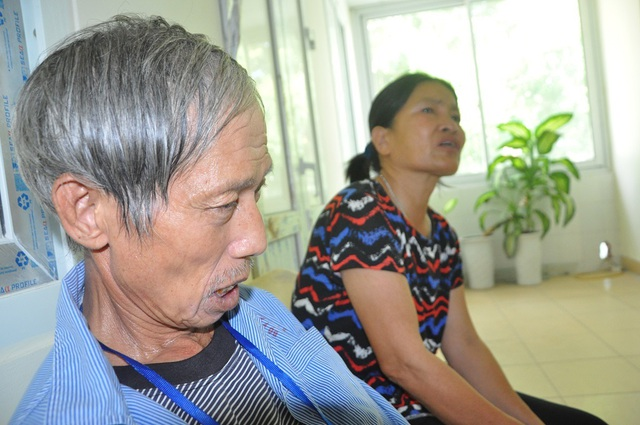 Rớt nước mắt cảnh vợ chồng ung thư nhường nhau suất cơm từ thiện để sống qua ngày - 6