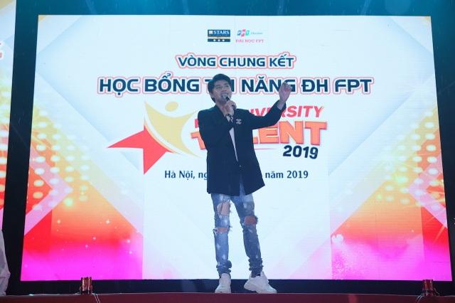"""Nêu thông điệp """"cứu trái đất"""", nữ sinh Hà Nội xuất sắc giành Quán quân cuộc thi tài năng ĐH FPT - 1"""