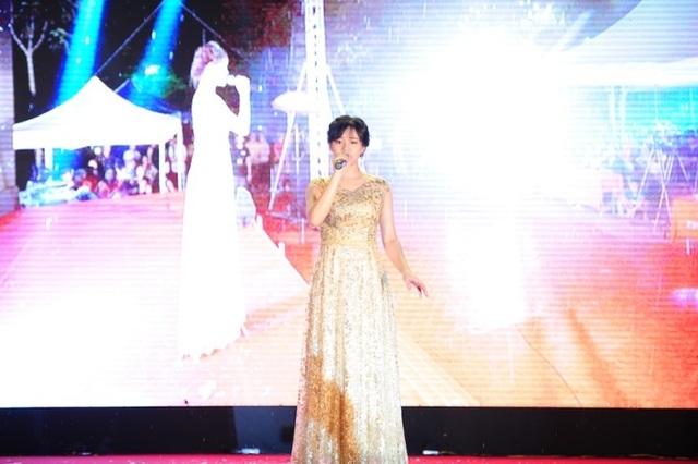 """Nêu thông điệp """"cứu trái đất"""", nữ sinh Hà Nội xuất sắc giành Quán quân cuộc thi tài năng ĐH FPT - 3"""