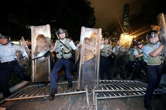 Hong Kong đối mặt biển người phản đối dự luật dẫn độ - 8