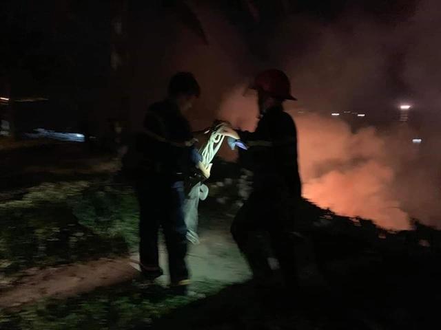 Cháy lớn trên bán đảo Sơn Trà - 4
