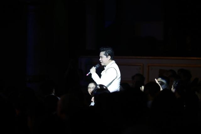 Ngọc Sơn bật khóc trên sân khấu sau 30 năm đi hát - 1