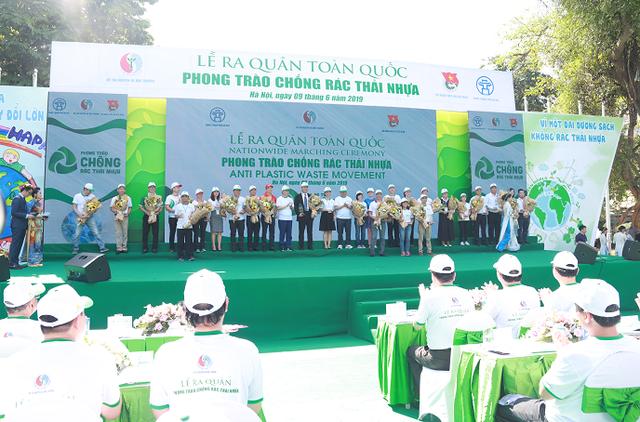 LOTTE Mart tham dự lễ ra quân phong trào chống rác thải nhựa - 1